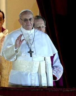 Cristina felicitó al papa en nombre del gobierno y el pueblo argentino.