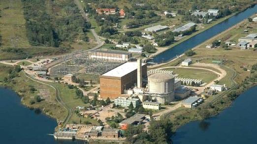 ¿Opera la Central Nuclear Embalse sin Licencia?
