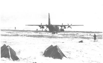 A 43 años del primer aterrizaje de un Hércules C-130 en la Base Marambio