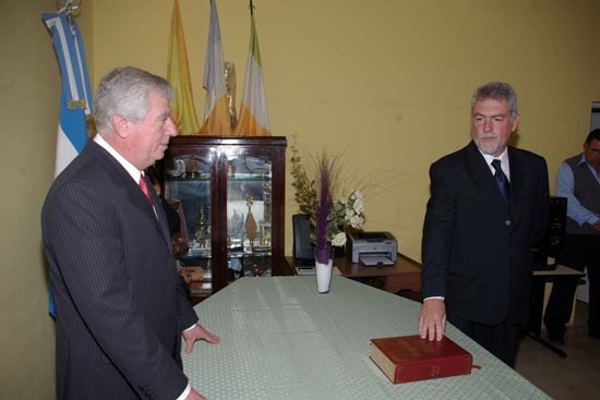 Allende viaja a Congreso en Iguazú.