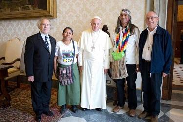 El Papa Francisco recibió al líder Qom en el Vaticano.