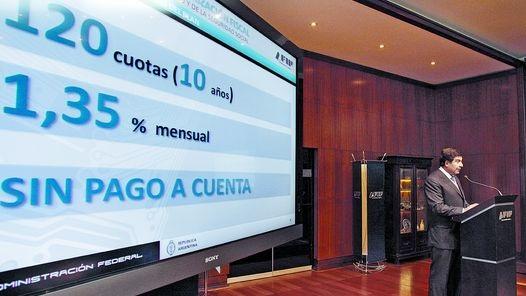 Luis Martino, contador público, explicó el nuevo plan de facilidades para regularizar deudas.