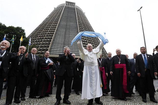 Imperdible entrevista al Papa Francisco realizada por periodista italiano
