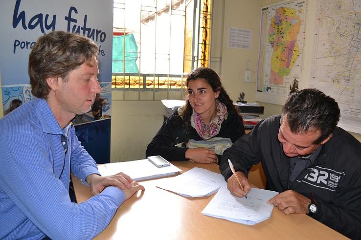 Firma de convenio con organización campesina de traslasierra