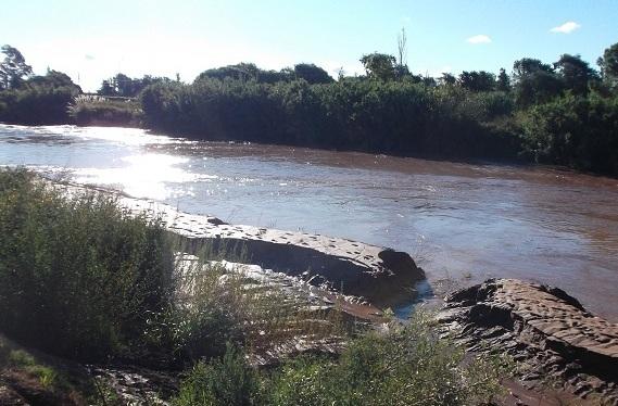 Aumento del caudal del río