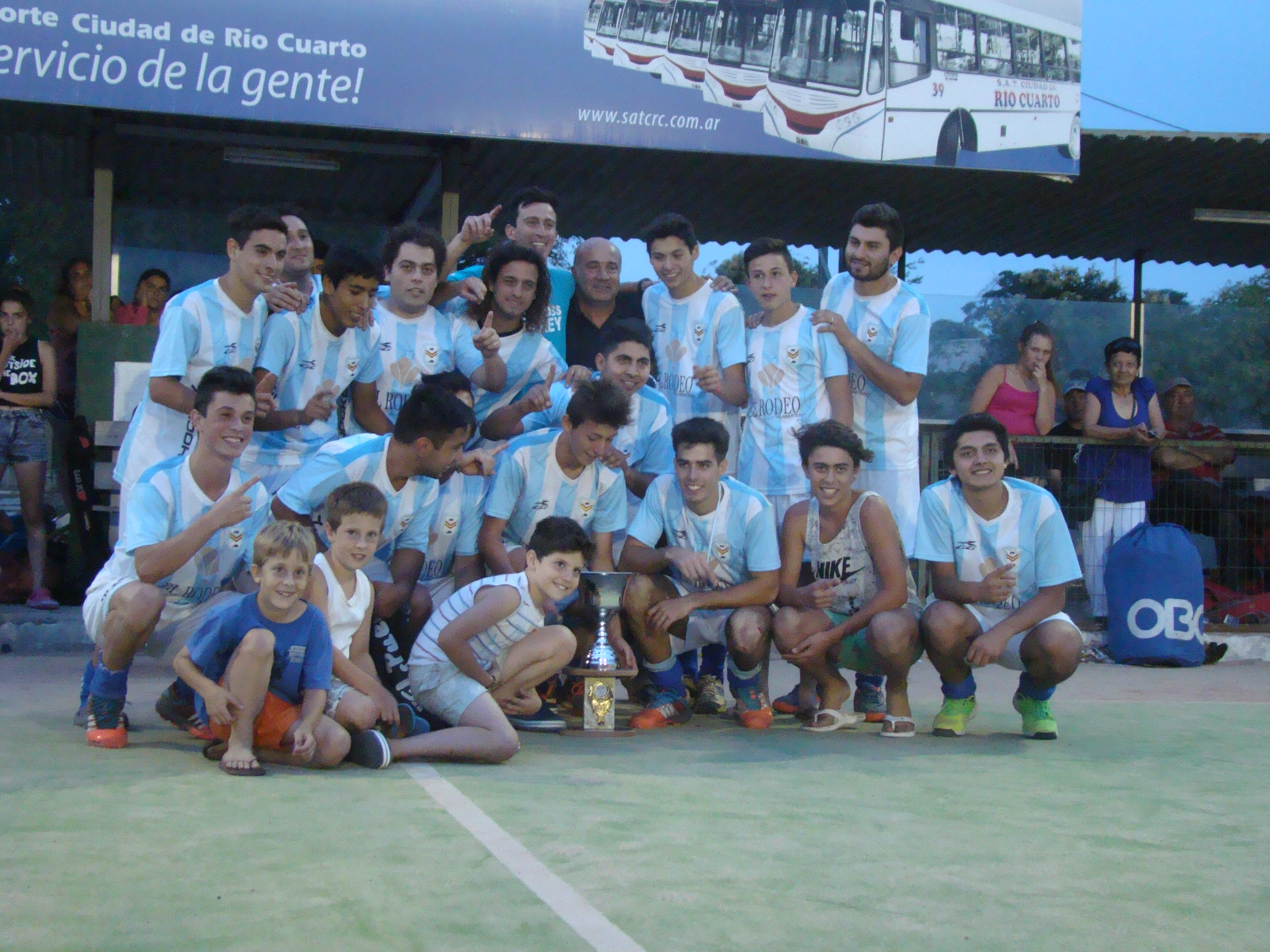 Ross Campeón en hockey masculino
