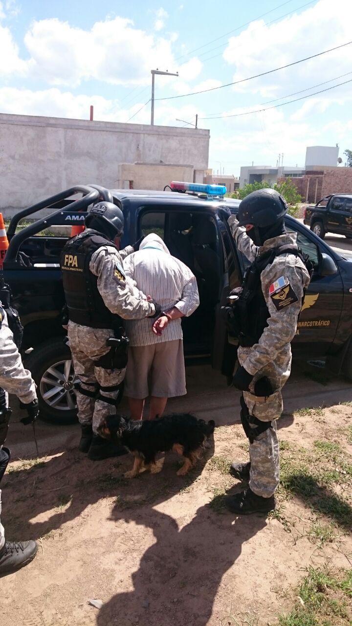 Villa María: la FPA detuvo a un sujeto mientras comercializaba cocaína en la vía pública