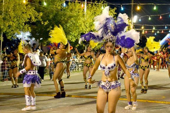 Nuestra ciudad vivió dos noches de Carnaval