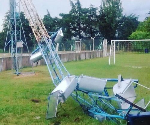 40 postes de luz afectados por la tormenta