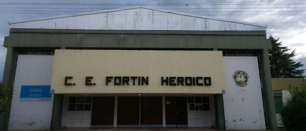 Finalizó la colocación de la nueva cubierta de techo en escuela Fortín Heroico