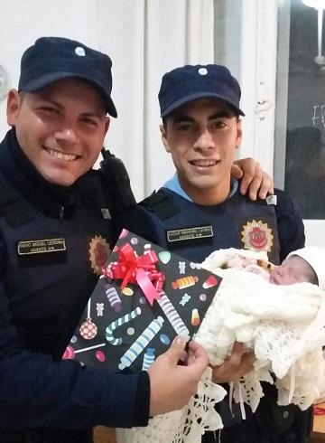 Policías de nuestra ciudad debieron asistir en un parto