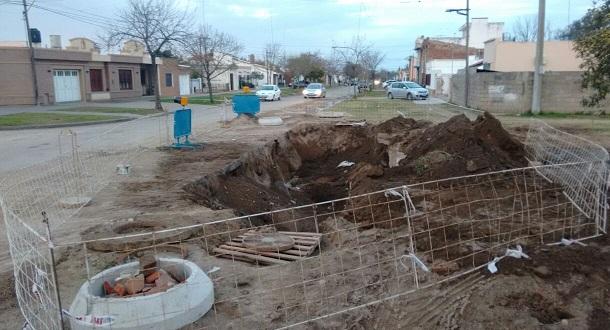 Continúa  la reparación del hundimiento en calle 9 de julio