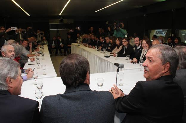 Amplio consenso en Córdoba para declarar esencial el servicio de transporte público