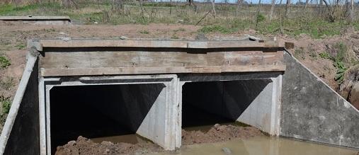 Instalación de alcantarillas en los nuevos desagües pluviales