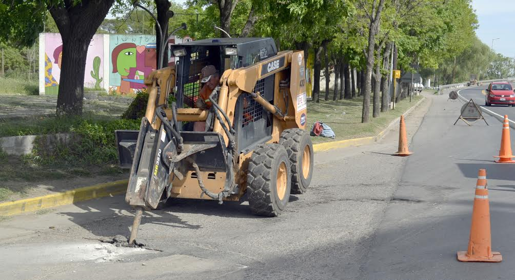Pavimentación: Precaución en Yrigoyen y Vélez Sarsfield