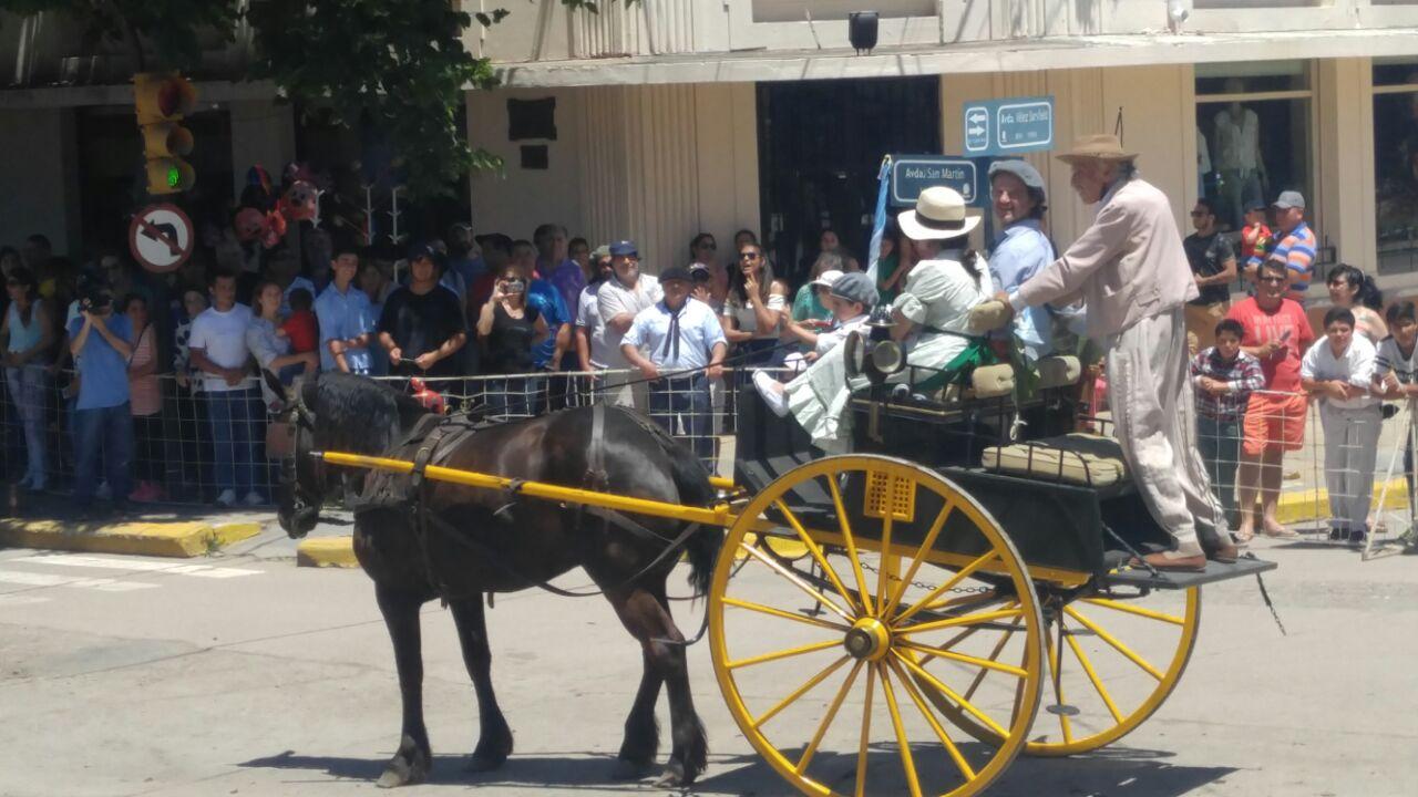 FOTOS Tradicional desfile de la tradición