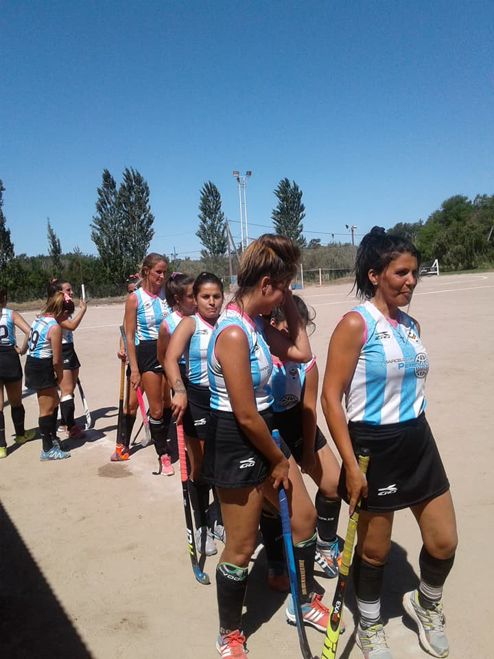 Ross a semifinales en hockey