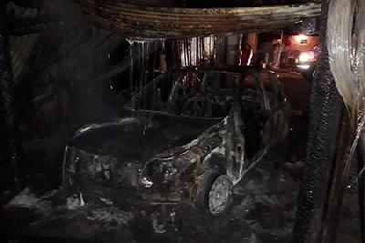 Cuatro dotaciones de la región combatieron un incendio en un galpón en cercanías de Los Cisnes