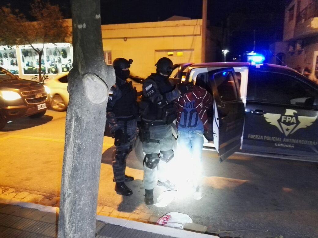 Laboulaye: FPA desbarató un punto de venta de drogas ubicado al frente de un jardín de infantes. 4 detenidos