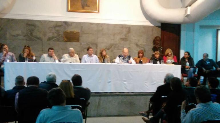 El Congreso Provincial UCR respaldó el reclamo de los intendentes de Cambiemos