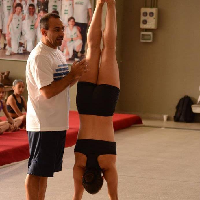 Capacitación en gimnasia artística a cargo del club Jorge Ross