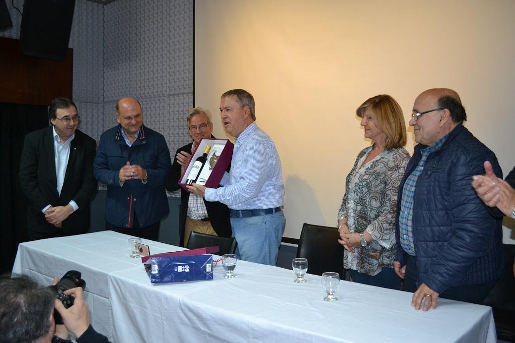 Schiaretti anticipó que impulsará declara de interés provincial el desarrollo del parque termal Chazón