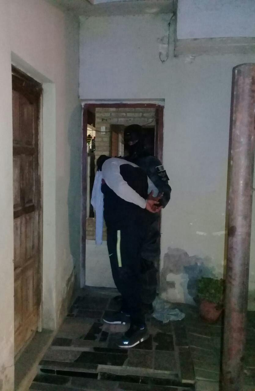 La FPA cerró un punto de venta de estupefacientes en Villa María. Un detenido