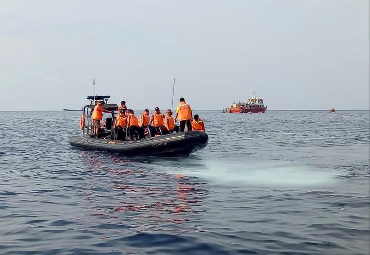 Indonesia: un avión con 189 personas se estrelló en el mar de Java