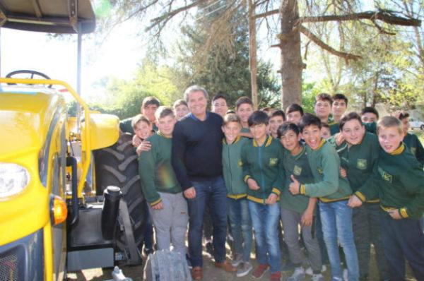 El Instituto Agrotécnico de Chazón ya tiene su tractor