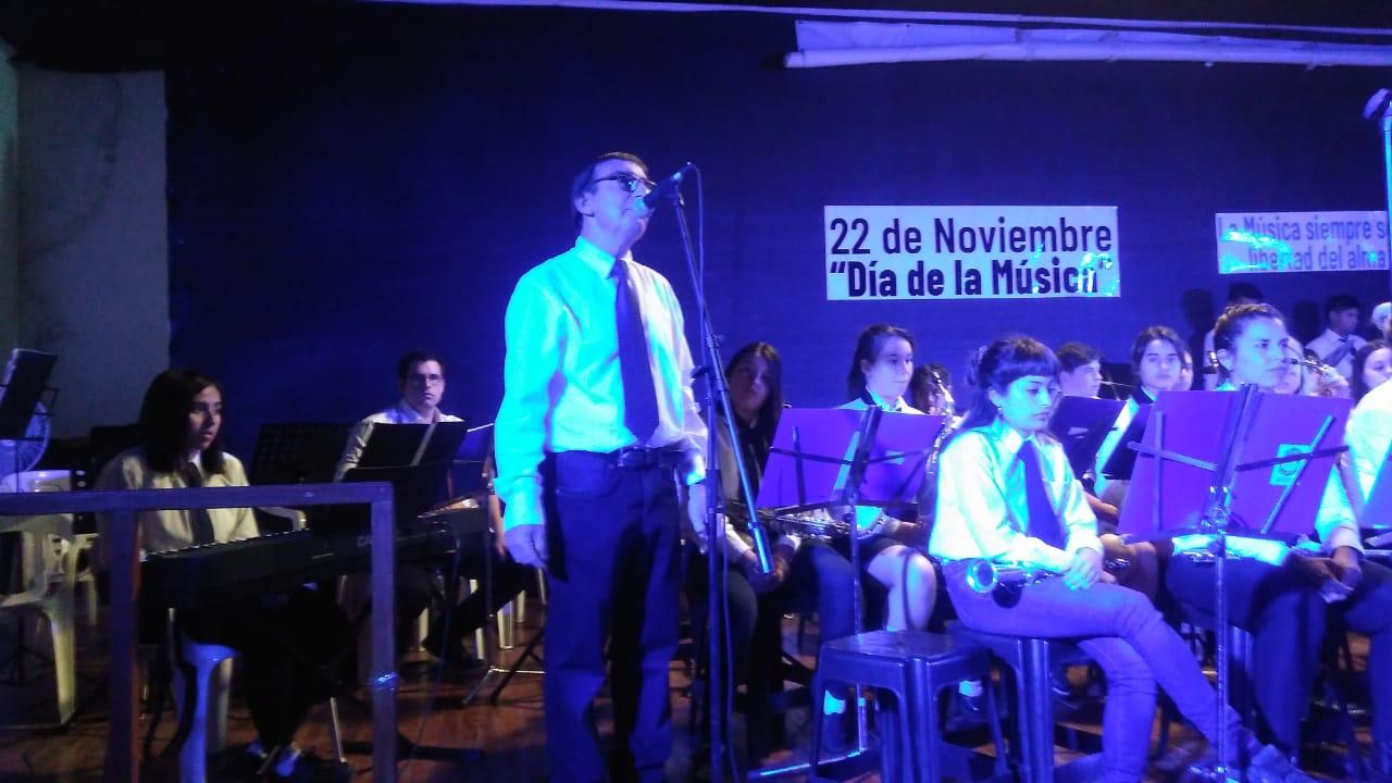 Gran presentación de La Banda municipal y la Superbanda en el teatro