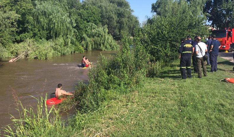 Una joven murió al caer en el rió de Villa Maria con su auto