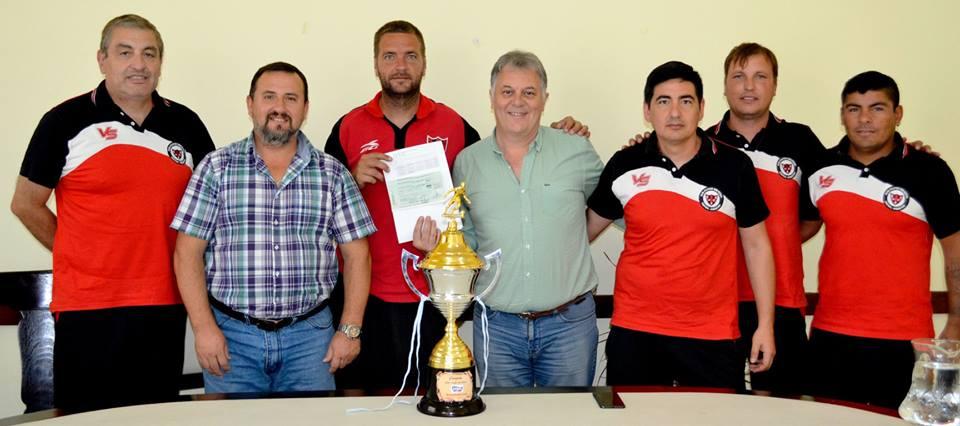 El intendente recibió al plantel de fútbol seniors de Central Argentino