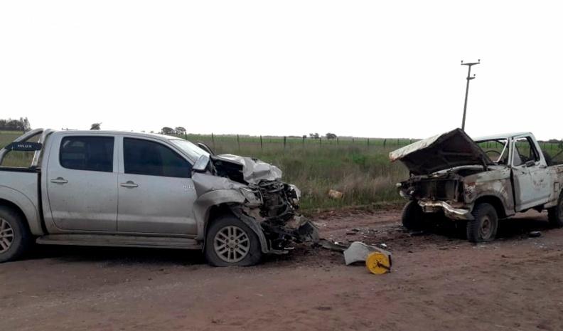 Un muerto en un choque frontal en un camino rural de Villa Huidobro