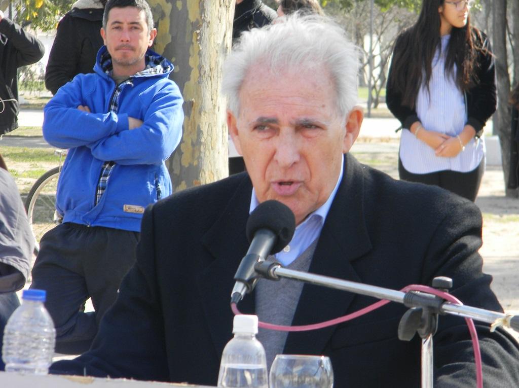 Falleció el ex intendente y escritor Alberto Abecasis