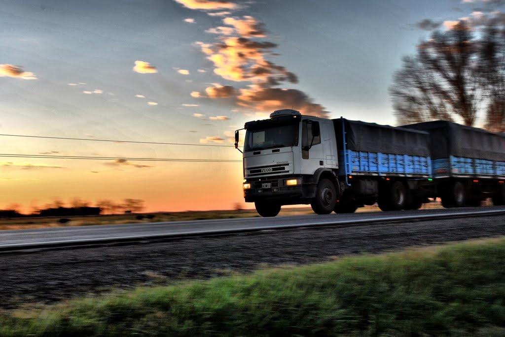 Rige una restricción de camiones por el recambio turístico