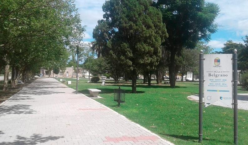 Mujer denunció ser atacada por un sujeto en Plaza Manuel Belgrano