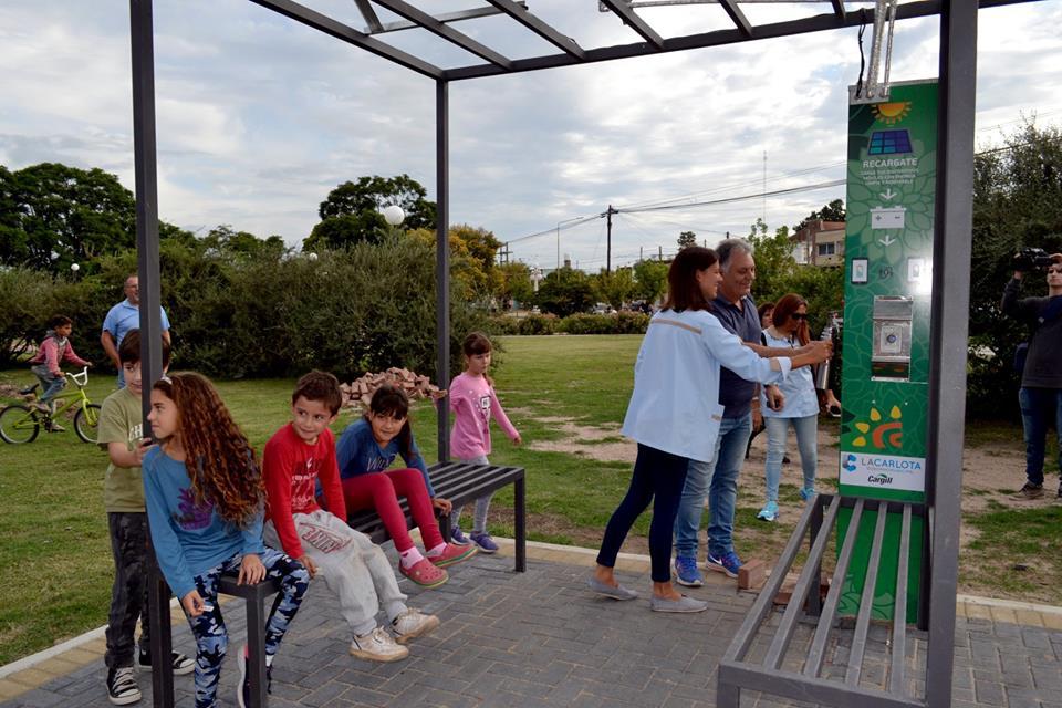 Se inauguró la estación solar de La Carlota