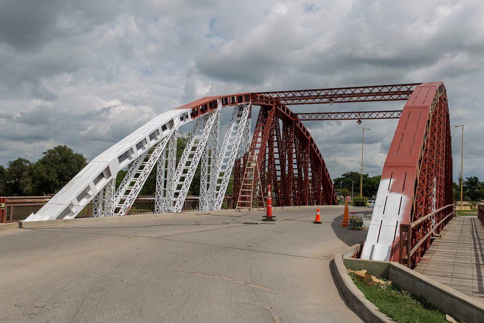 Pintarán de blanco el puente de la historia de Bell Ville