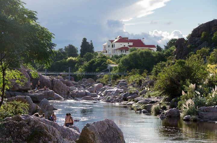 El río Mina Clavero fue elegido como una de las siete maravillas naturales de Argentina