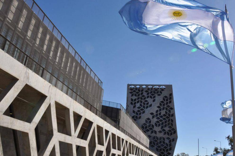 Schiaretti viaja a Madrid por el financiamiento de la nueva Maternidad