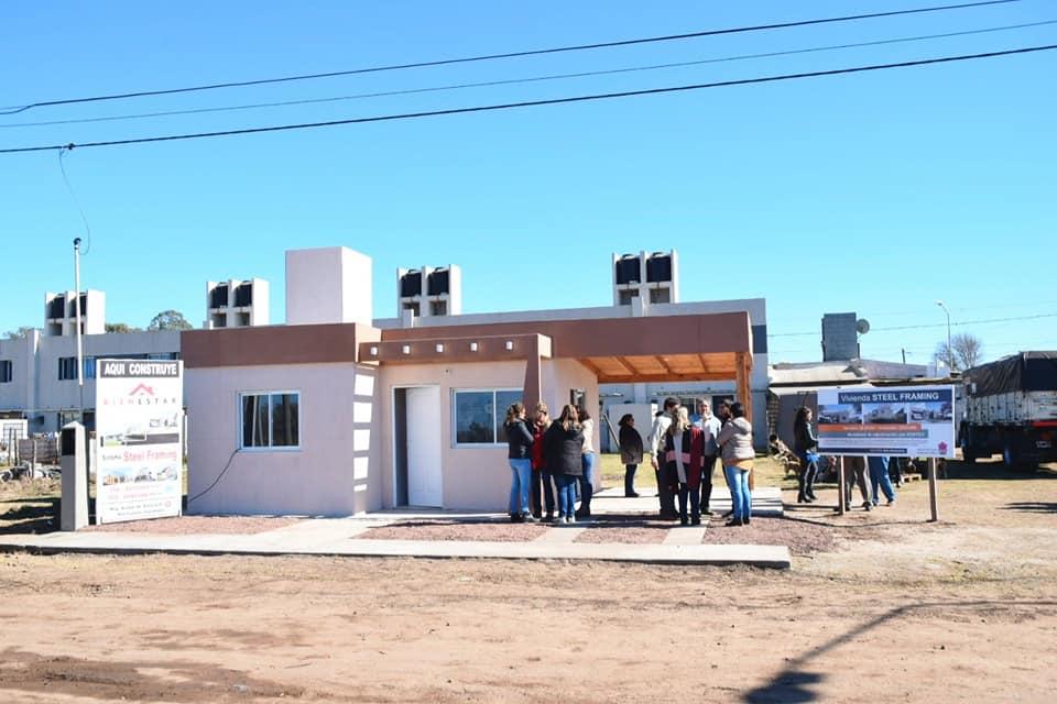 ALEJANDRO ROCA: presentaron el nuevo sistema de construcción de viviendas steel framing