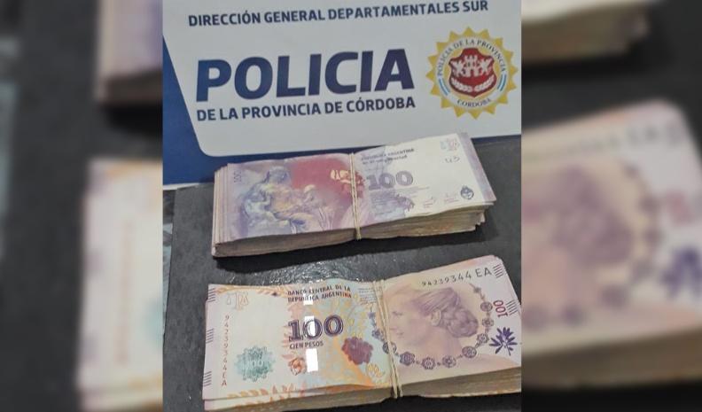 Iba de Río Cuarto a Villa Nueva con $ 20 mil robados: fue demorada en Cabrera
