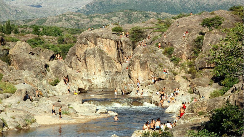 El río Mina Clavero recibió el reconocimiento como maravilla natural de argentina