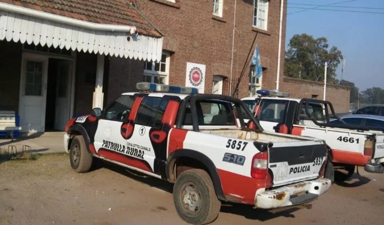 Un policía de Canals detenido: habría golpeado violentamente a su pareja