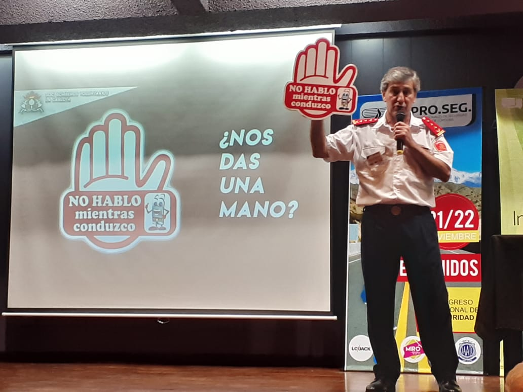 Bomberos disertaron en el Congreso Nacional de Educación Vial