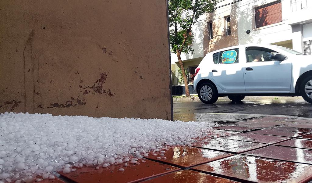 RIO CUARTO : domingo con lluvia viento y granizo
