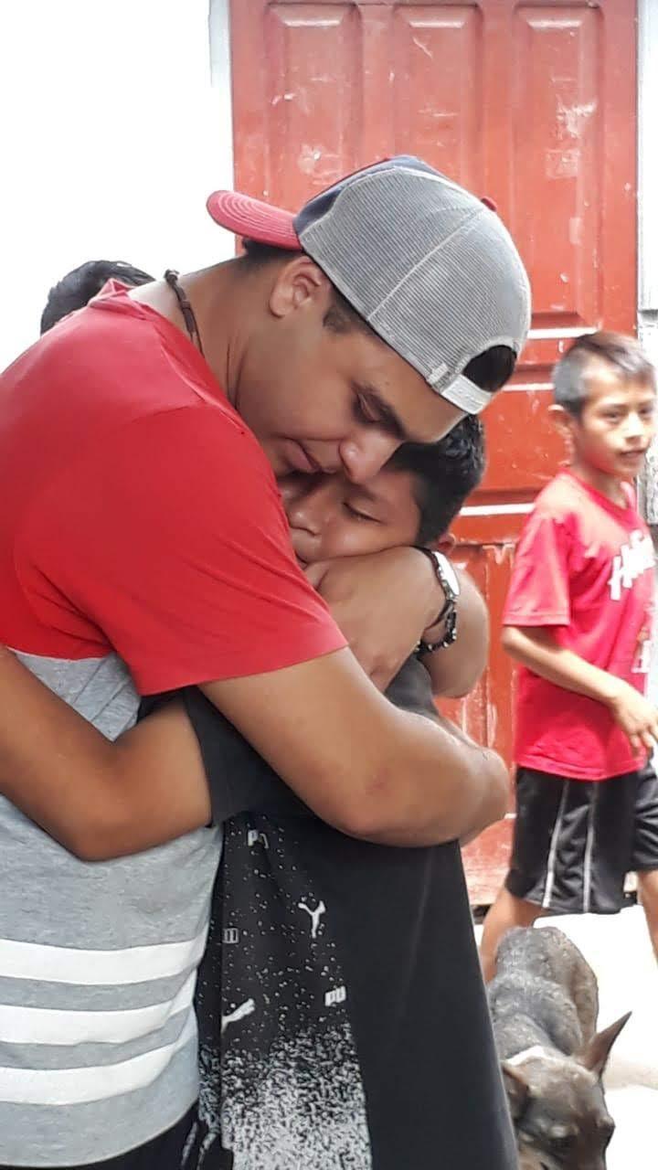 Unos 50 riocuartenses, sumado otros 4 de Orán y dos jóvenes de La  Carlota ( Nahuel Allende y Rocio Oviedo ) misionan en comunidades aborígenes en Salta