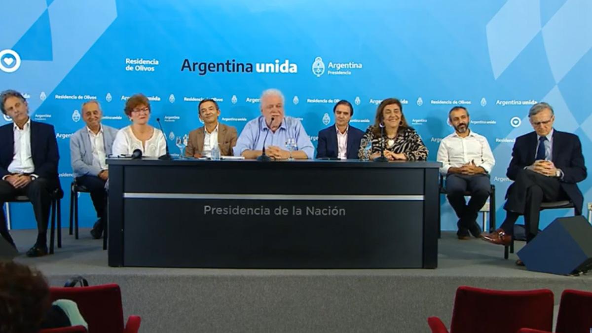 Ginés González García: «Hay que prorrogar la cuarentena»