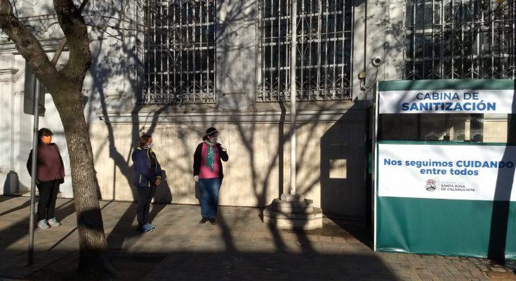 SANTA ROSA DE CALAMUCHITA: instalan una cabina de sanitización en el acceso al banco Córdoba