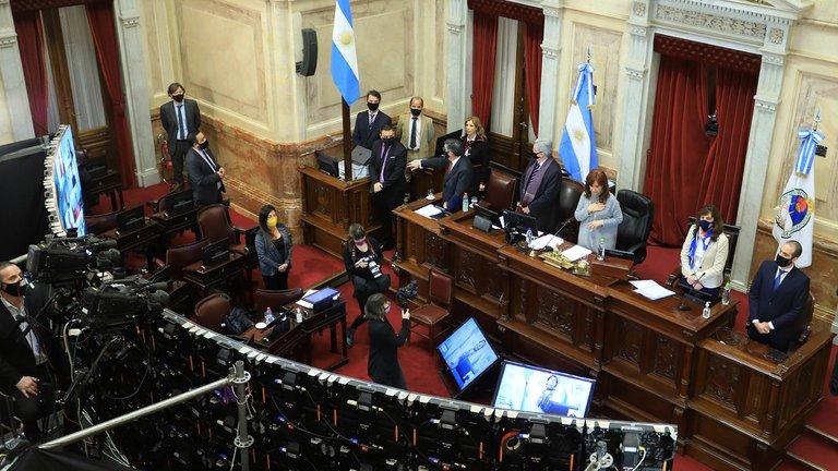 Extendieron el congelamiento de los sueldos de senadores y diputados por 180 días